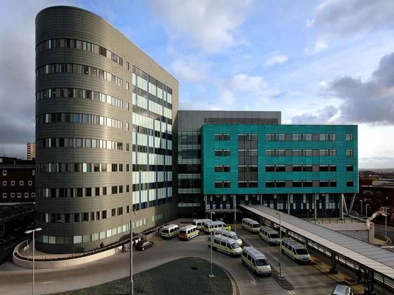 St-James-University-Hospital2